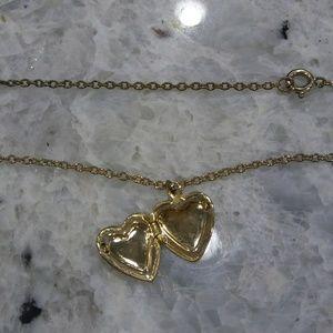 Jewelry - 🎀 heart locket necklace